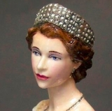 Queen Elizabeth Portrait Figurine