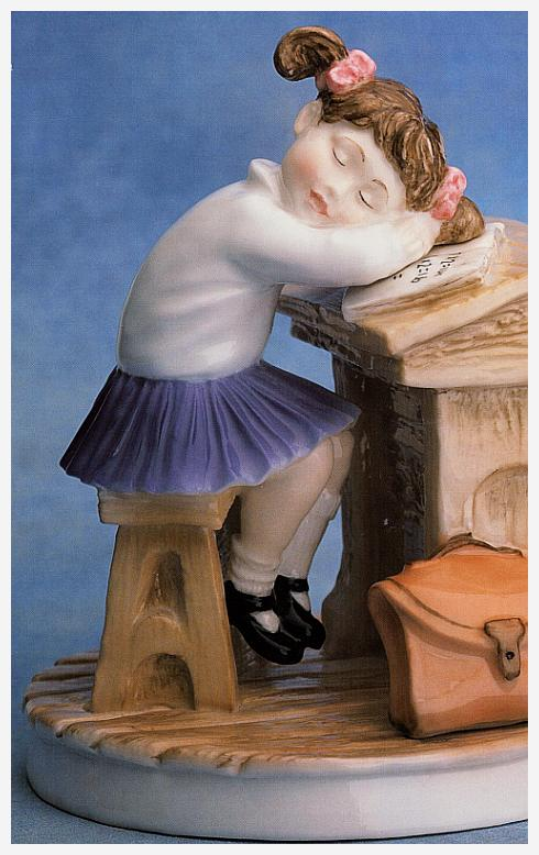 Sleepyhead Figurine, bone china, 40 winks