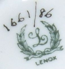 lenox-green-wreath-mark