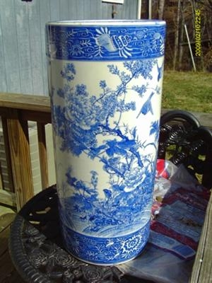 oriental (chinese or japanese?) pottery mark query - impressed Pottery Umbrella Stand