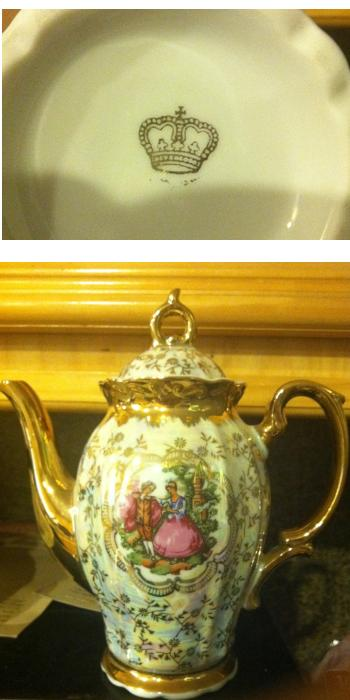 porcelain-coffee-pot-with-gold-crown-mark