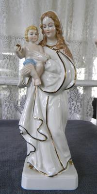 Religious Mary & Jesus Figurine mark query - Dresden above X with letters RW (the R is reversed)