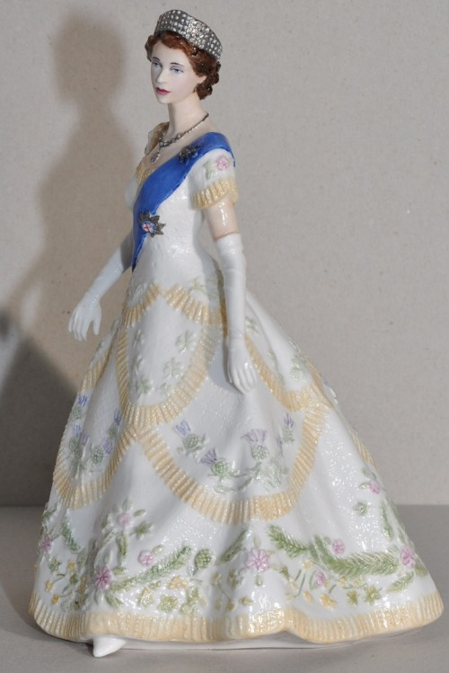 the-queens-coronation-festival figurine dress