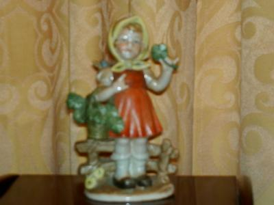 W A Pottery Mark with Crown - {ed. Fake Hummel Figures}