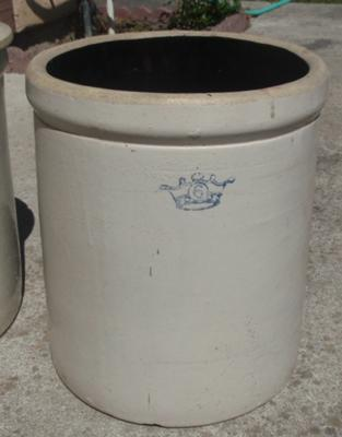6 gal crock with crown stamp on the side