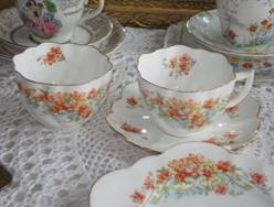 bone china set 4 gold dots