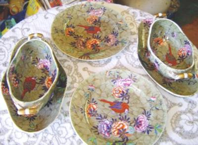 Antique China Spode - Tumbledown-Dick Pattern Tea Set