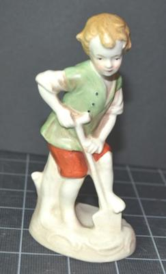Genuine Unmarked Goebel Figurine 1
