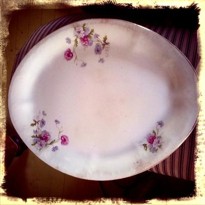 Pottery China Plate Mark Identification 'U.S.A.' Within Round Circular & Water Fountain